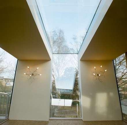Jardines de invierno de estilo moderno por *platzhalter architektur