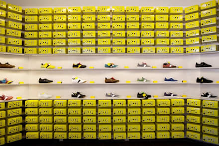 Botas shoes showroom:  Conference Centres by studio deFORM
