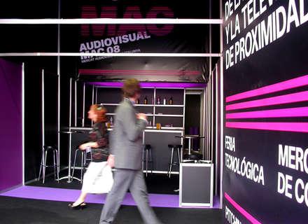 Audiovisual MAC / Environmental design: Palacios de congresos de estilo  de KXdesigners