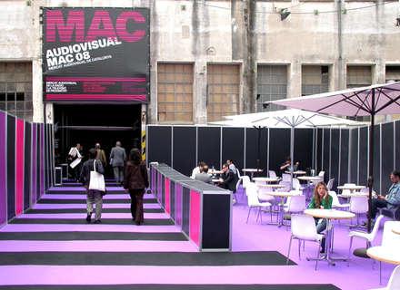 Audiovisual MAC / Environmental design: Ferias de estilo  de KXdesigners