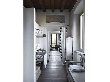 Residenza di campagna: Spa in stile in stile Eclettico di Studio Maggiore Architettura