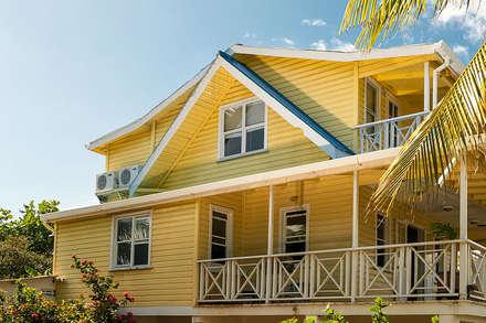 Casa San Andres Colombia: tropische Häuser von Pio Brown