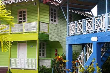 Ejemplos de los balcones : tropischer Garten von Pio Brown