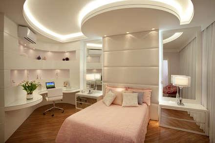 Casa Mercury: Quartos  por Arquiteto Aquiles Nícolas Kílaris