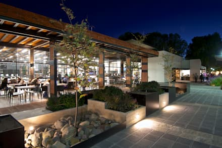 Jardinera de Noche: industrial Garden by Forma Taller