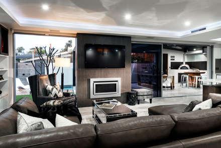 Menora Residence: modern Living room by Moda Interiors