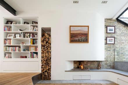 Homerton: modern Living room by Scenario Architecture