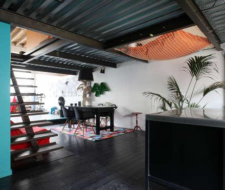 + LE GARAGE: Salle à manger de style de style eclectique par SPACE MAKER
