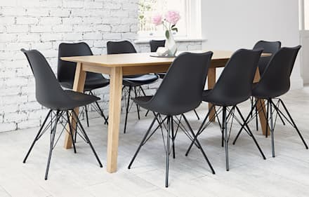 Eames: scandinavian Dining room by Out & Out Original