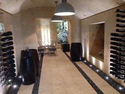 Bodega en Mares para una vivienda unifamiliar en Ibiza: Bodegas de estilo minimalista de Ivan Torres Architects