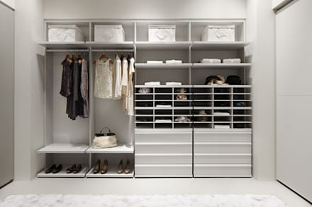 scandinavian Dressing room by MUEBLES RABANAL SL