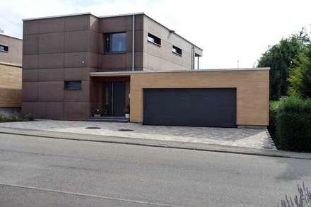 BV Schuler - Weilstetten: moderne Garage & Schuppen von Architekturbüro Arndt