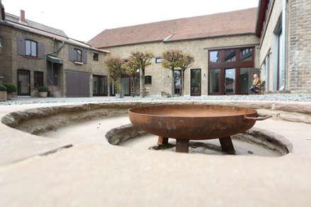 Feuerstelle im Hof: landhausstil Garten von Neugebauer Architekten BDA