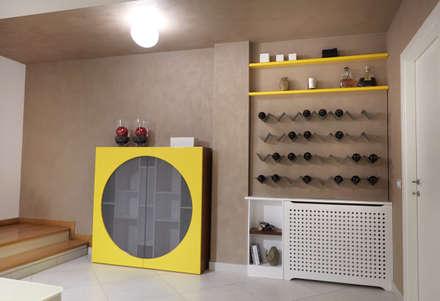 New look  - La cantina prima e dopo: Cantina in stile in stile Eclettico di marco olivo