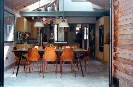 Kitchen/Dining Room: modern Kitchen by Tom Kaneko Design & Architecture