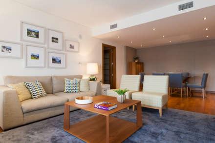 Sala Comum_Zona de Estar e refeições: Salas de estar modernas por Traço Magenta - Design de Interiores