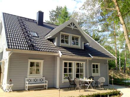 Norwegisches Holzhaus Typ Bjarne: skandinavische Häuser von Akost GmbH  'Ihr Traumhaus aus Norwegen'