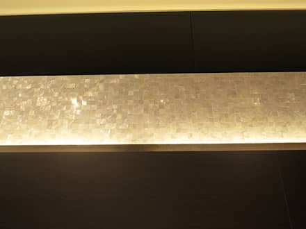 Pure White 20mm Seamless Freshwater Mother of Pearl in Kee Wah Bakery, Hong Kong, China.:  Offices & stores by ShellShock Designs