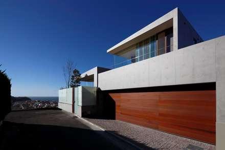外観   CASA BARCA   海を眺める豪邸(別荘建築): Mアーキテクツ 高級邸宅 豪邸 注文住宅 別荘建築 LUXURY HOUSES   M-architectsが手掛けた家です。