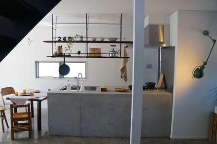 مطبخ تنفيذ さくま建築設計事務所