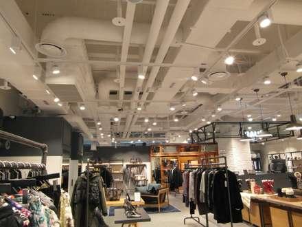 "COEX Mall Premium Brand "" R A U M "" 빈크리트 시공 : 빈flow의  방"