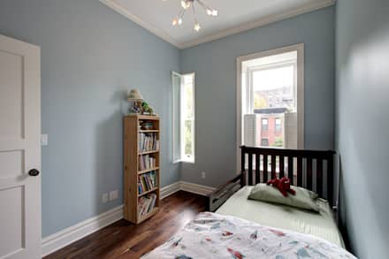 Park Slope Brownstone 3: colonial Bedroom by Ben Herzog Architect