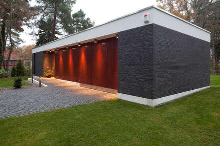 Bungalow: moderne Häuser von Justus Mayser Architekt