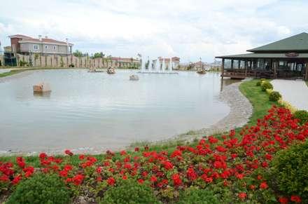 Eskişehir Tepebaşı Belediyesi – Eskişehir Tepebaşı Belediyesi Toprak Dede Hayrettin Karaca Parkı: modern tarz Bahçe