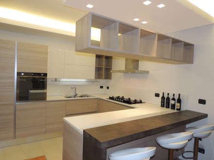 مطبخ تنفيذ Laura Marini Architetto