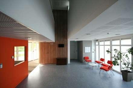 Centros de exhibiciones de estilo  por David HEBERT