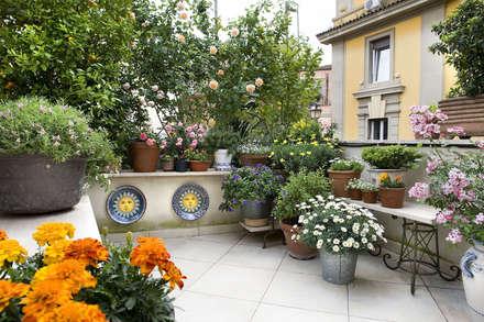 CASA C: Terrazza in stile  di Giandomenico Florio Architetto