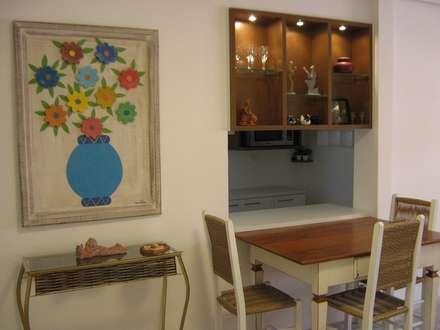 Interiors & Furniture design: tropical Dining room by Carol Weston Architecture & Interiors