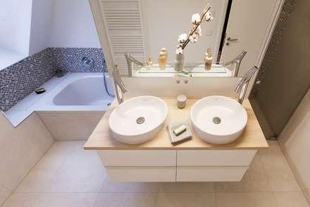 Waschtischplatte aus massiver Douglasie: moderne Badezimmer von pur natur