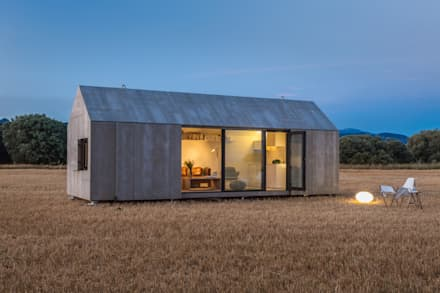 Prefabricated home by ÁBATON Arquitectura