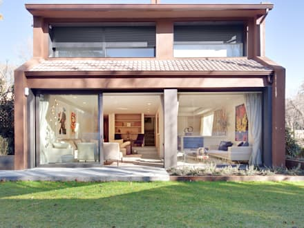 TARIMA DE ROBLE STORM - Proyecto Madrid: Case in stile in stile Moderno di Tarimas de Autor