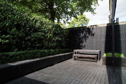 สวน by Ed Reeve