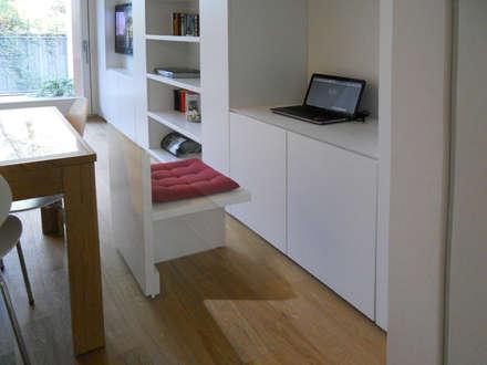 Appartamento a Segrate: Studio in stile in stile Minimalista di bdastudio