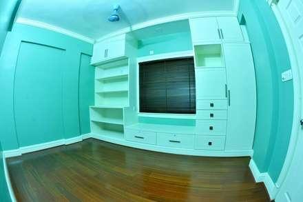 A CREATIVE AXIS INTERIORS PVT LTD PROJECT 2: colonial Nursery/kid's room by Creative Axis Interiors Pvt. Ltd.