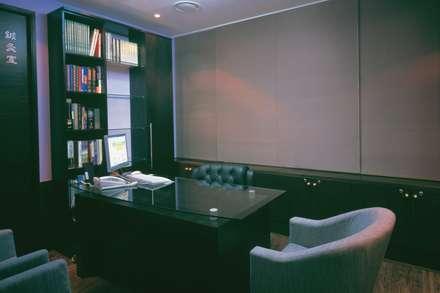 율 한의원: 참공간 디자인 연구소의  병원