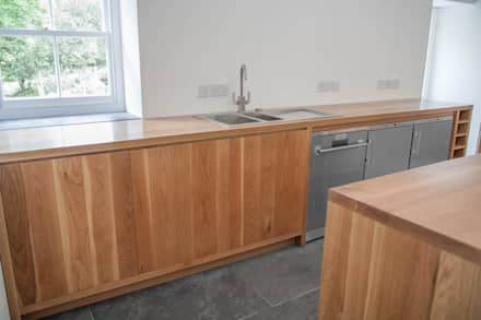 The Golden Tones of This Oak Kitchen:  Kitchen units by NAKED Kitchens