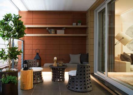 Harrington Court - Terrace House: Design Tomorrow INC.의  베란다