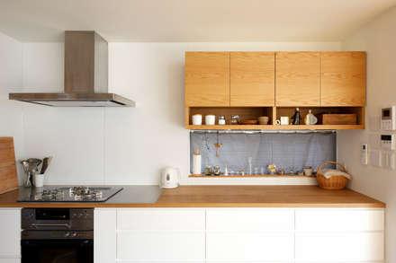 キッチン(オーダーキッチン): H建築スタジオが手掛けたキッチンです。