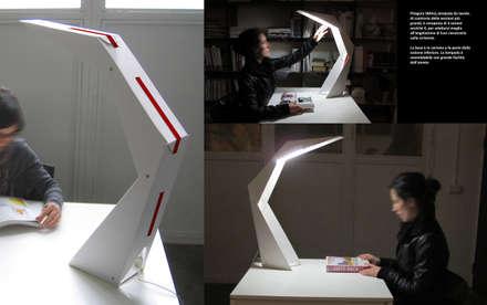 PITAGORA Lamp - Cardboard pushed to the limit: Allestimenti fieristici in stile  di Patrick Suriani