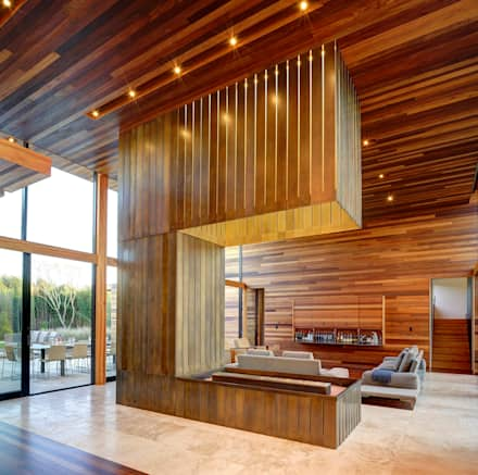 Sam's Creek: modern Living room by Bates Masi Architects