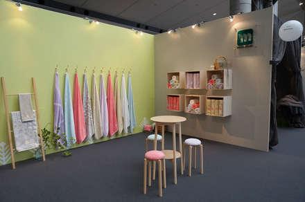 Exhibition centres by tona BY RIKA KAWATO / tonaデザイン事務所