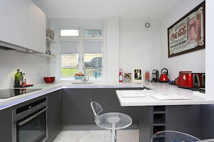 Small matt kitchen design: modern Kitchen by LWK Kitchens