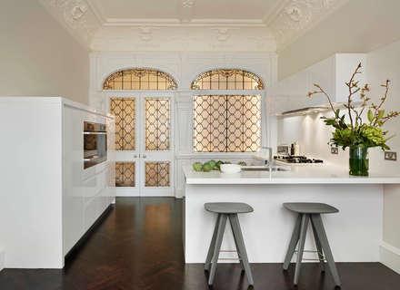 London Charm: modern Kitchen by Elan Kitchens