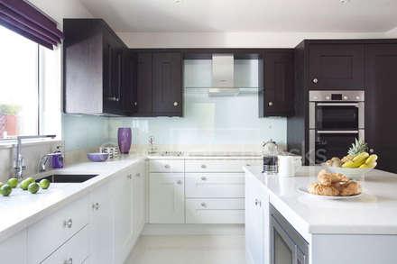 Glacier Glass Splashback in tone-tone shaker kitchen. : colonial Kitchen by DIYSPLASHBACKS