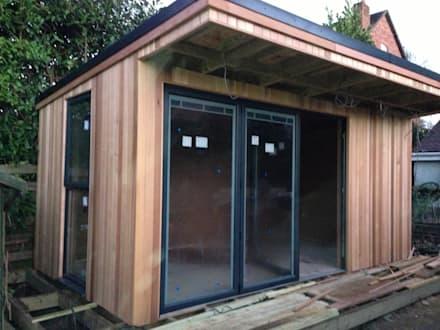 Oak Garage: modern Garage/shed by RTC