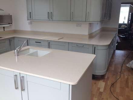 CimStone Sines Quartz Worktops: classic Kitchen by Marbles Ltd